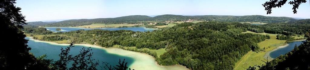 Balade panoramique au dessus des lacs