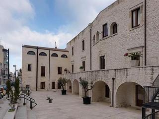 Palazzo Monacelle, luogo in cui ha sede la biblioteca comunale