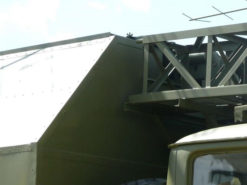 P-18 Radar 00117