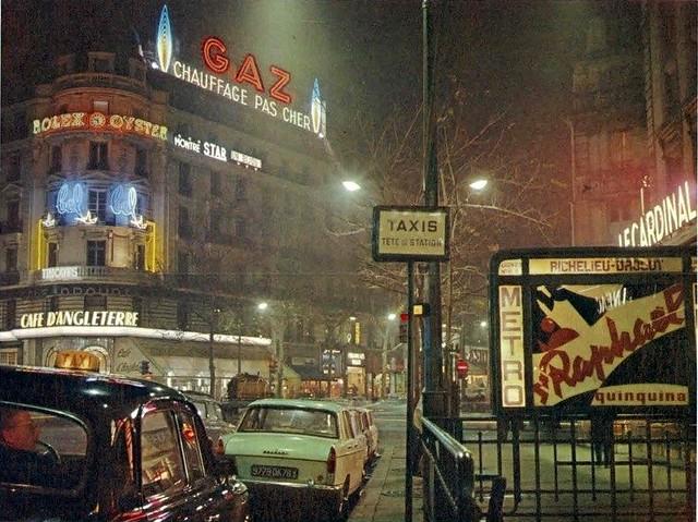 75 BUTAGAZ GAZ DE PARIS Boulevard des Italiens, au métro Richelieu-Drouot, en avril 1964