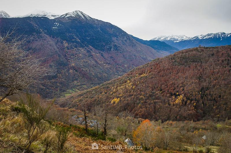 Bausen y el Valle de Aran desde el Camin dera Ribèra