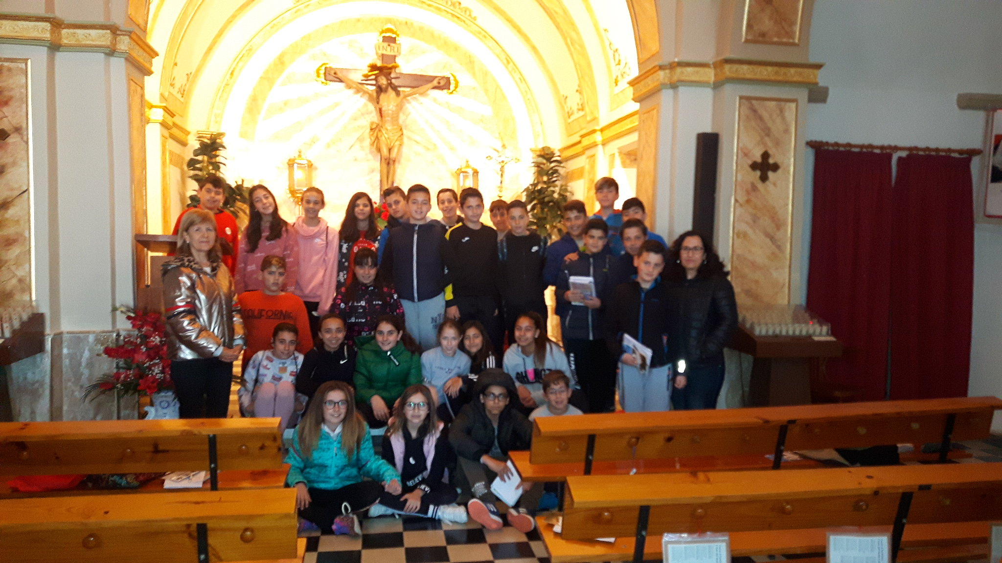 (2019-04-11) Visita ermita alumnos Pilar - 6 primaria -  9 de Octubre - María Isabel Berenguer (03)