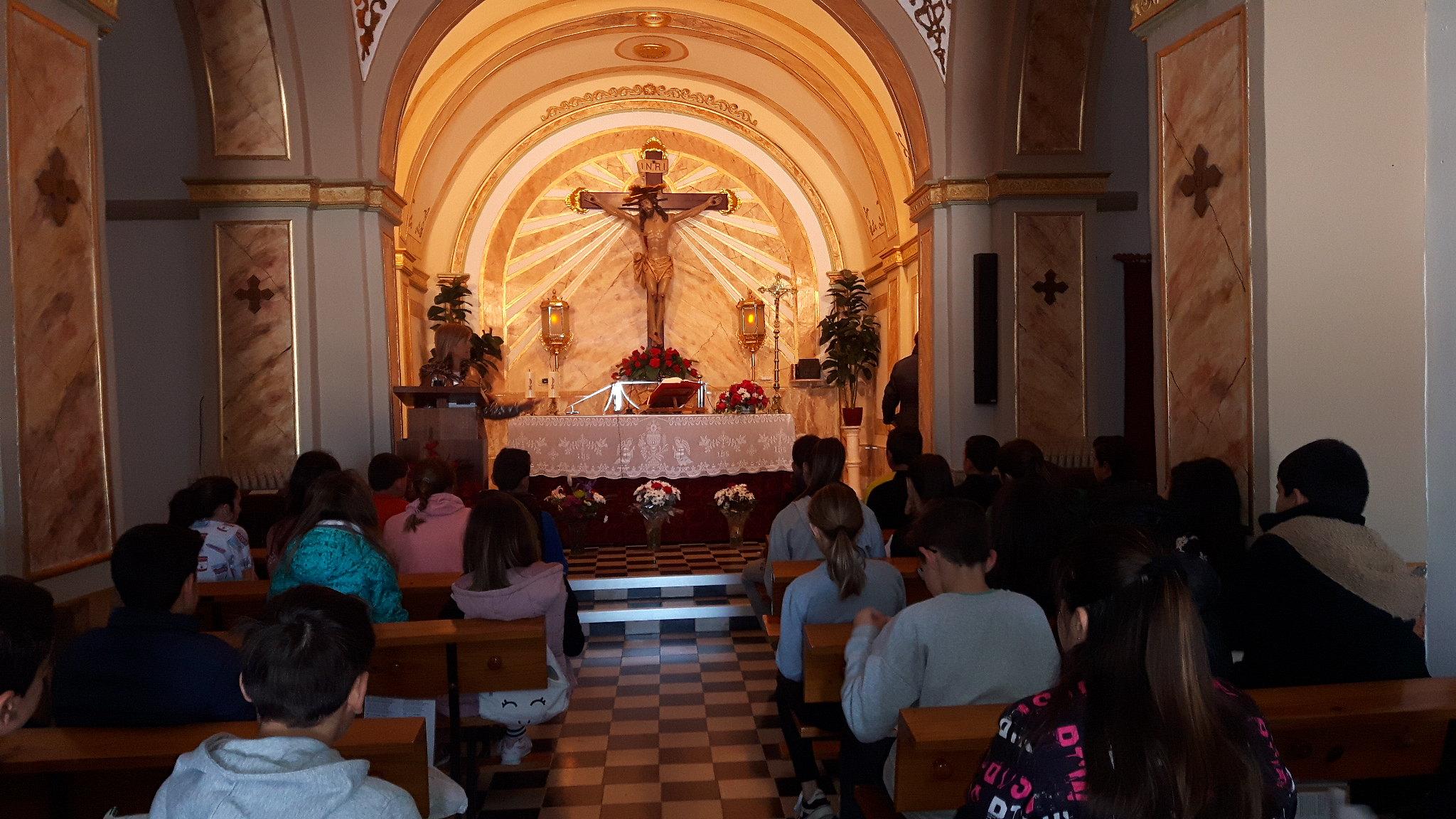 (2019-04-11) Visita ermita alumnos Pilar - 6 primaria -  9 de Octubre - María Isabel Berenguer (01)
