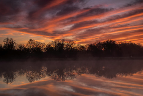 2019 may kevinpovenz westmichigan michigan maplewoodpark sunrise early earlymorning morning morningsky outside outdoors sun reflection trees sigma canon7dmarkii clouds red orange yellow
