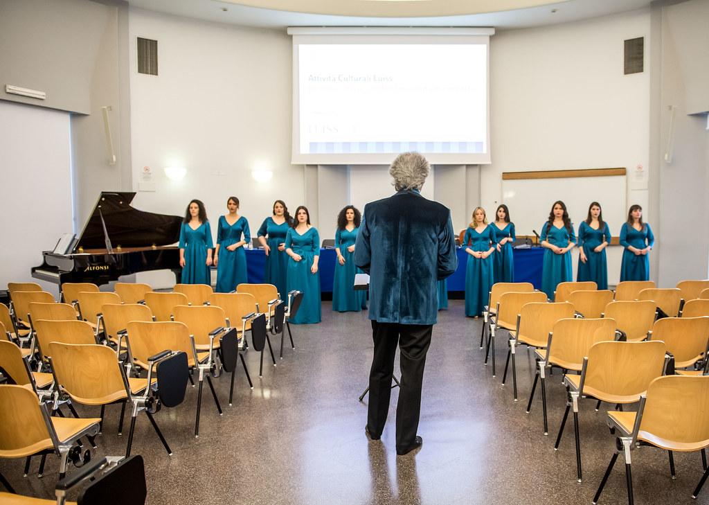 Il coro e i musicisti dell'Università in concerto