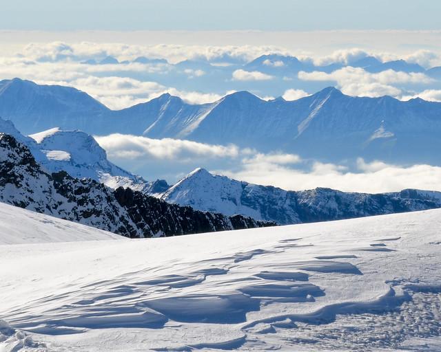 Vistas de las montañas nevadas de los alpes desde el Top of Europe
