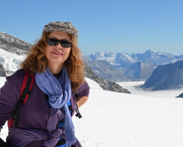 Mi madre junto al glaciar Aletsch