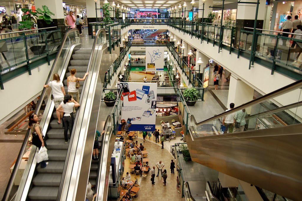 montreal-reso-underground-city-eaton-centre