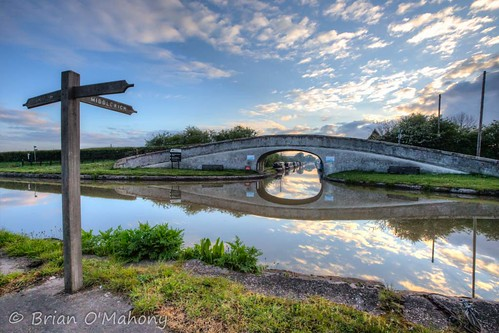 middlewich shropshire union canal bridge barbridge junction waterway cheshire canon6dmarkii canon thephotographiceye morning sunrise sky canon1635mmf28l brianomahony cloud landscape nature boats water trees british narrowboat