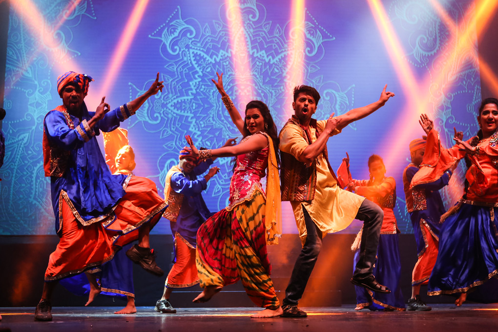 Taj Express: Bollywood Revue