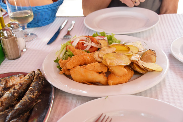 Choco frito with Portuguese 'chips' at Kefish, Setubal.