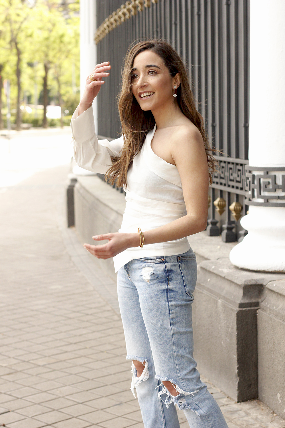 White Asymmetrical Linen Top jeans gucci bag street style outfit 20195