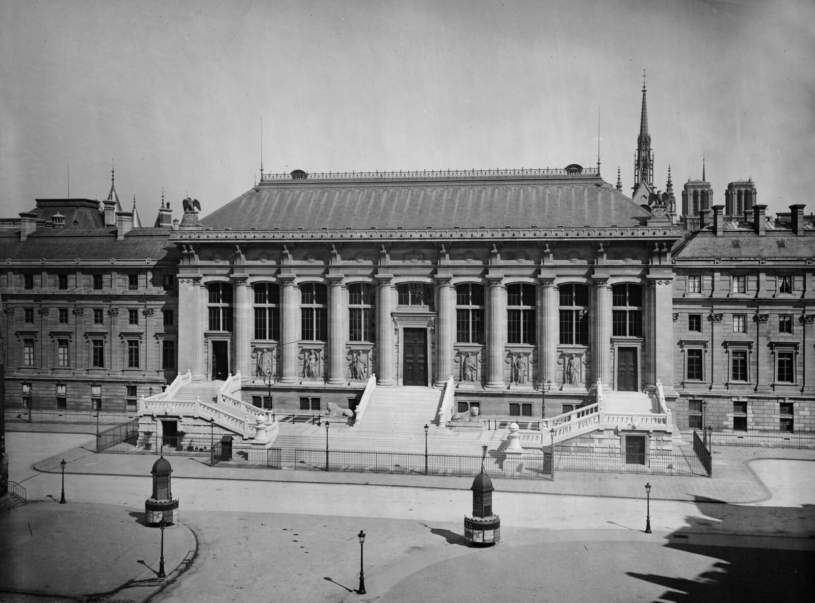 1865. Париж (I-й округ). Фасад Кассационного суда