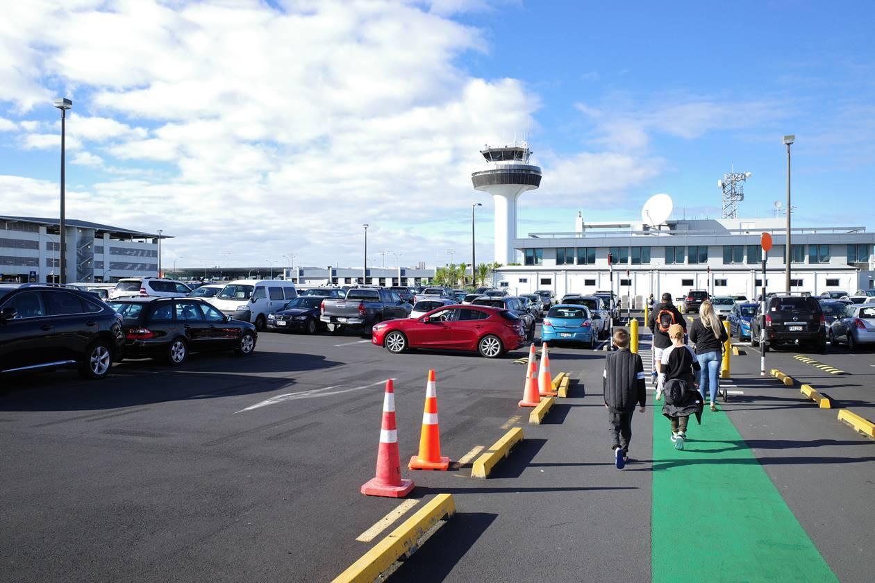 ニュージーランド オークランド空港 国内線乗り換え