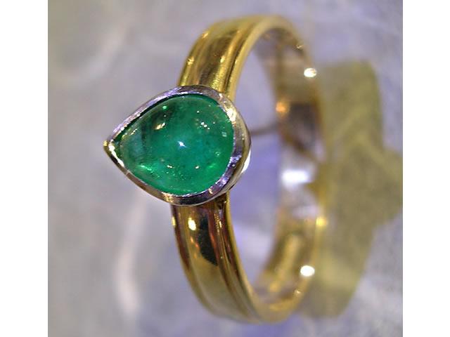 Teardrop emerald ring