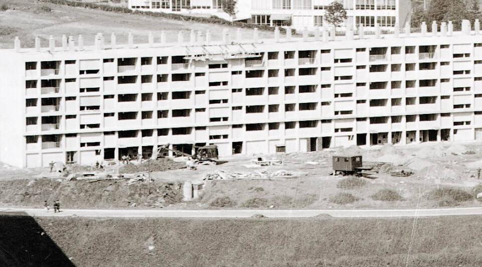 42 Saint-Etienne le square auguste renoir en construction 1958