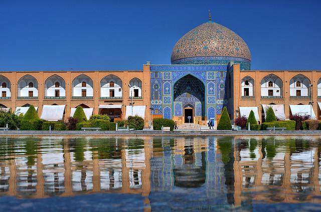Sheikh Lotfollah Mosque in Naqsh-e Jahan Square, Isfahan, Persia (Iran)