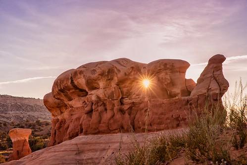 grandstaircaseescalantenationalmonument devilsgarden sandstone rockformations sunstar sunset
