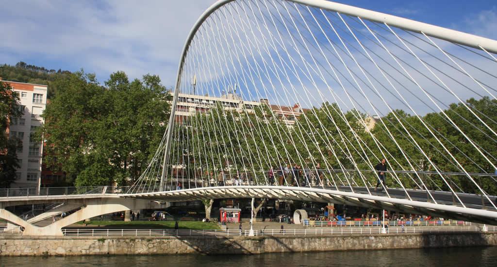 Zubizuri, Santiago Calatrava | Mooistestedentrips.nl