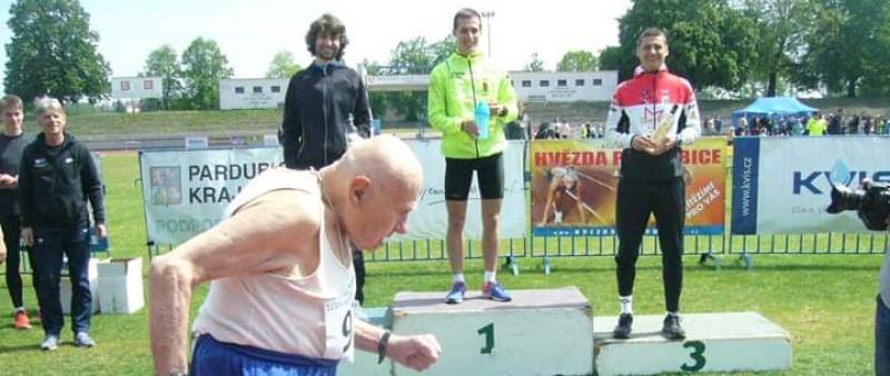 Desítku Hvězdy Pardubice vyhrál Janů v rekordu
