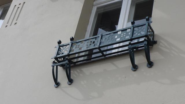 1903/04 Berlin Ziergitter in geometrischem Jugendstil Mietswohnhaus Müggelseedamm 237 in 12587 Friedrichshagen
