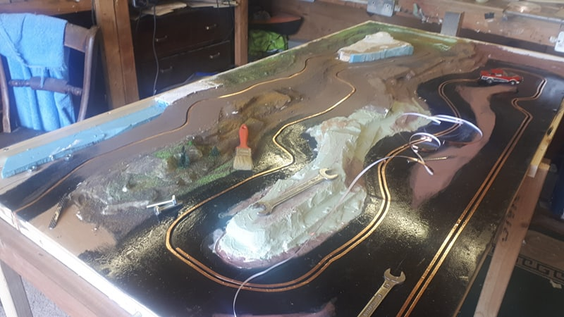Slot car racing 47811992062_ef3bd1e6c7_c