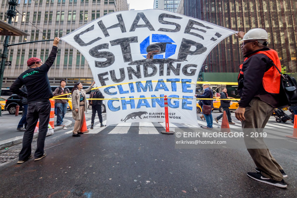 Arrests at Chase headquarters street blockade
