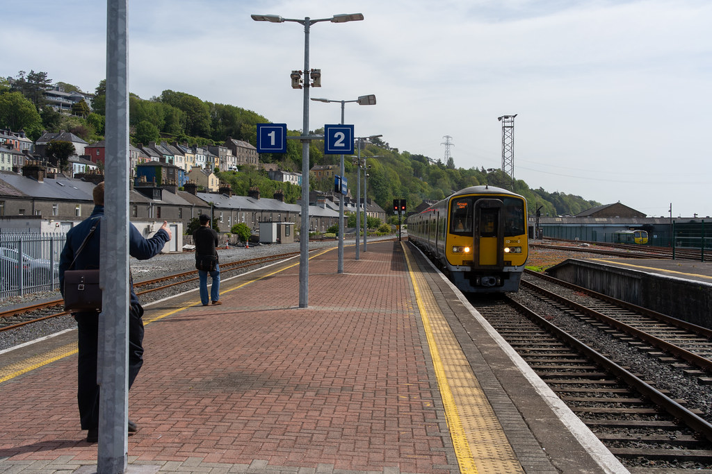 THERE IS A TRAIN EVERY HALF HOUR FROM KENT STATION TO COBH 004