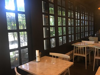 Lola Cafe, Tomas Morato | by beingjellybeans