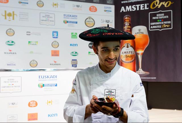 Andoni Perez con la txapela de campeon de 2019