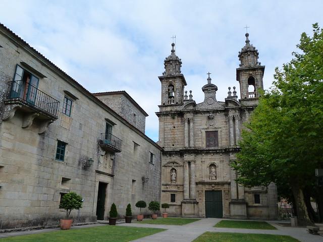 Monasterio de Poio, a sólo 3 kilómetros de Combarro