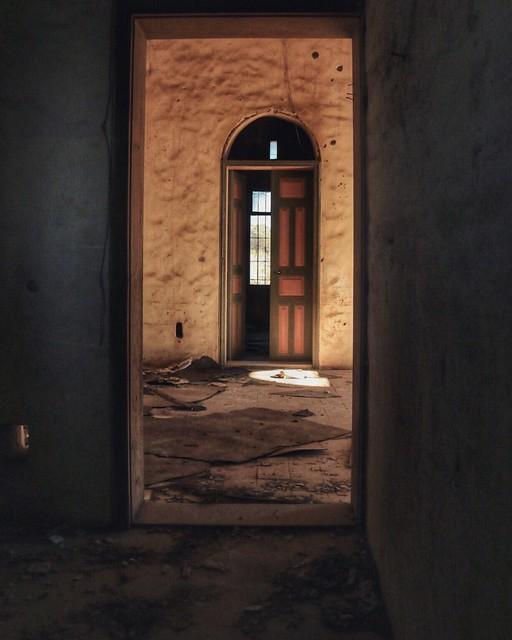 #old_house #photography #photo_art #photo #photographyoftheday #capture #pic #photography #photooftheday #oldthings #indoor #Behind_doors #doors #perspective #flickr #explore