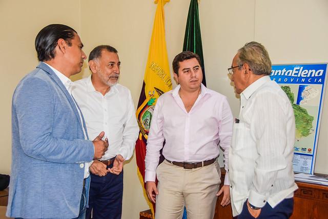 PREFECTO DE SANTA ELENA MANTUVO REUNIÓN CON FUNCIONARIOS DEL BDE