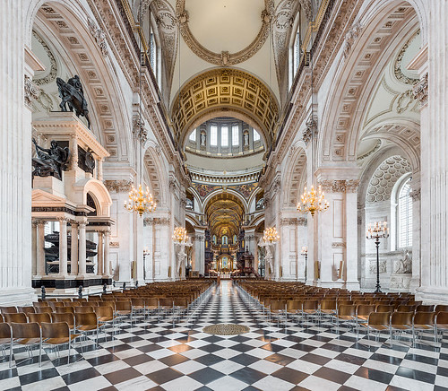 1033px-St_Paul's_Cathedral_Nave,_London,_UK_-_Diliff