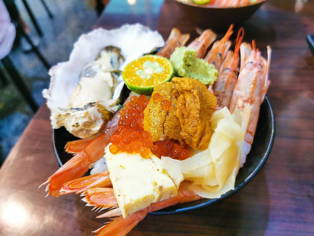 揚日式料理(生魚片蓋飯) (19)