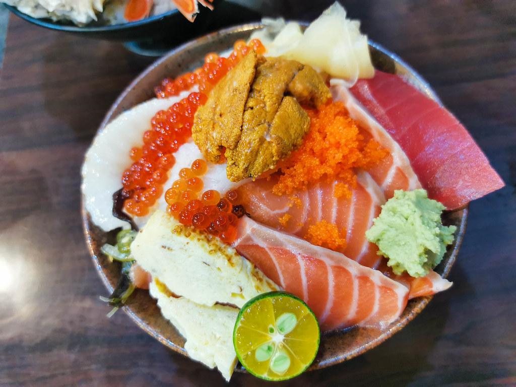 揚日式料理(生魚片蓋飯) (15)