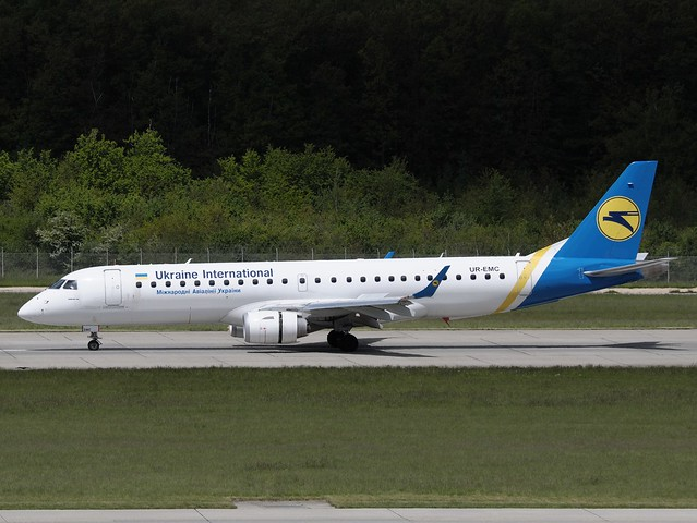 UR-EMC Ukraine International Airlines UIA