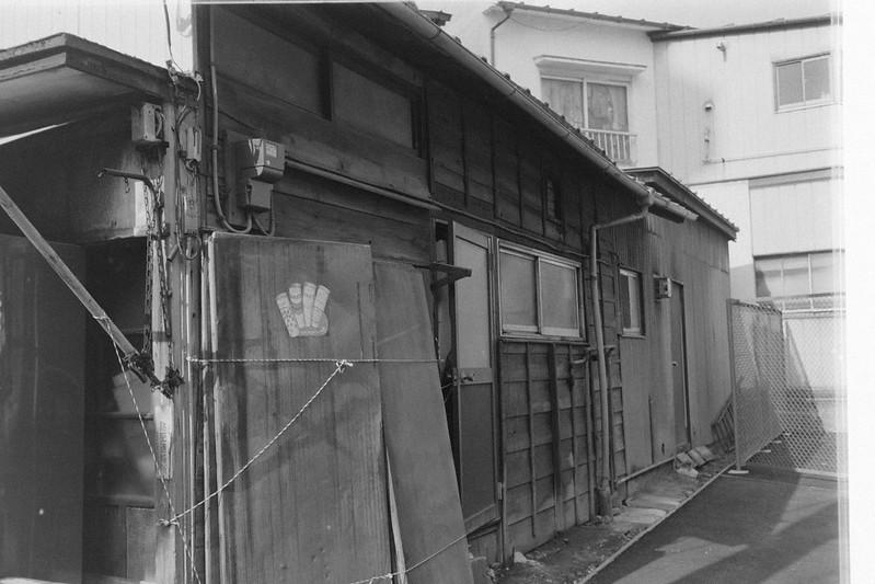 232LeicaM2 Summaron 35mm f35 Kodak 400TX 池袋本町