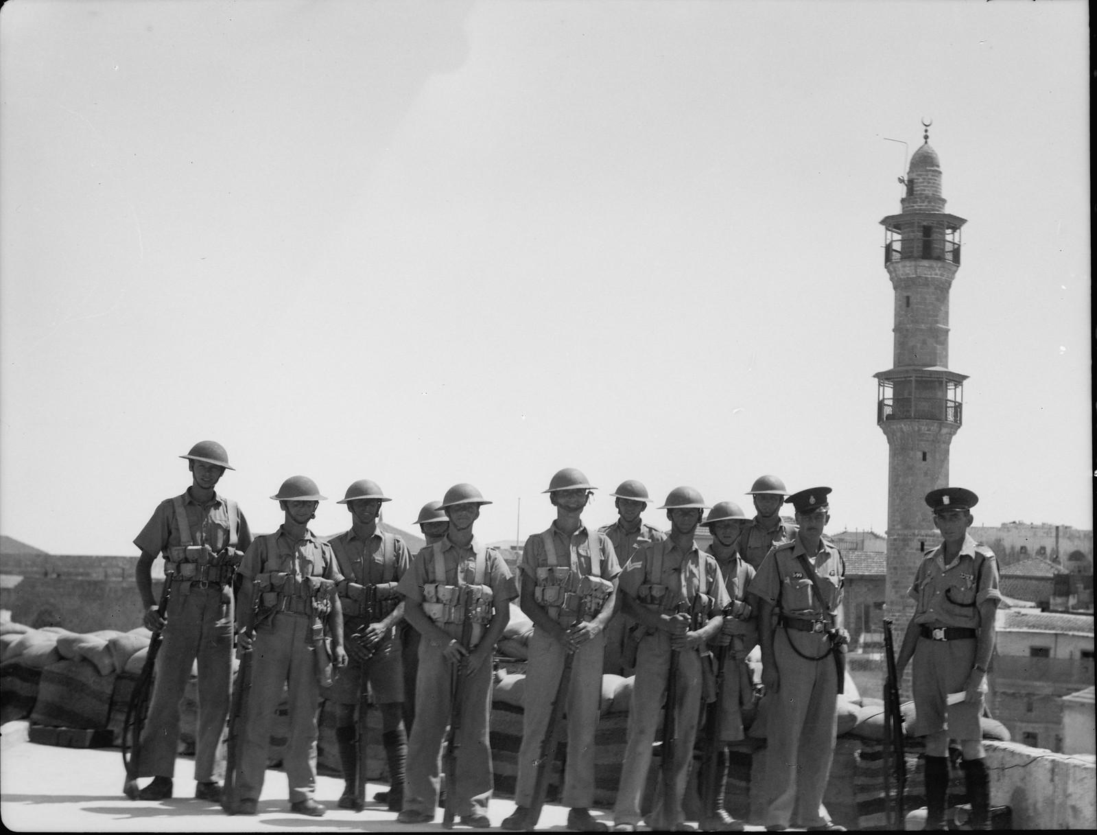 08. Яффо. Группа военных и Палестинской полиции