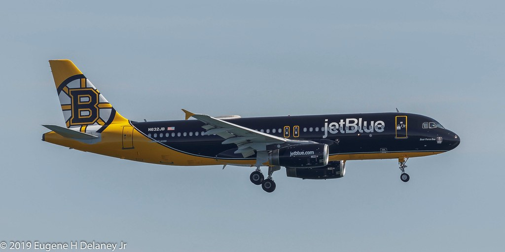 "jetBlue Airways, N632JB, 2005 Airbus A320-232, MSN 2647, FN 632, ""Bear Force One"", Boston Bruins Livery"""