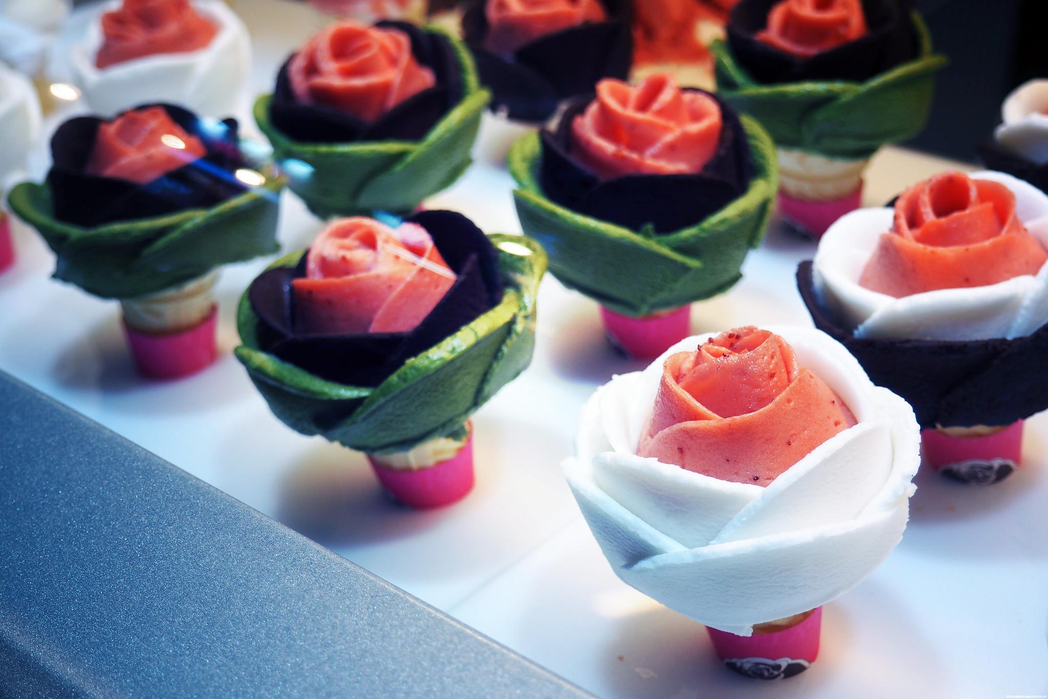 Rose shaped Gelato Ice Cream Myeongdong Streetfood_effected