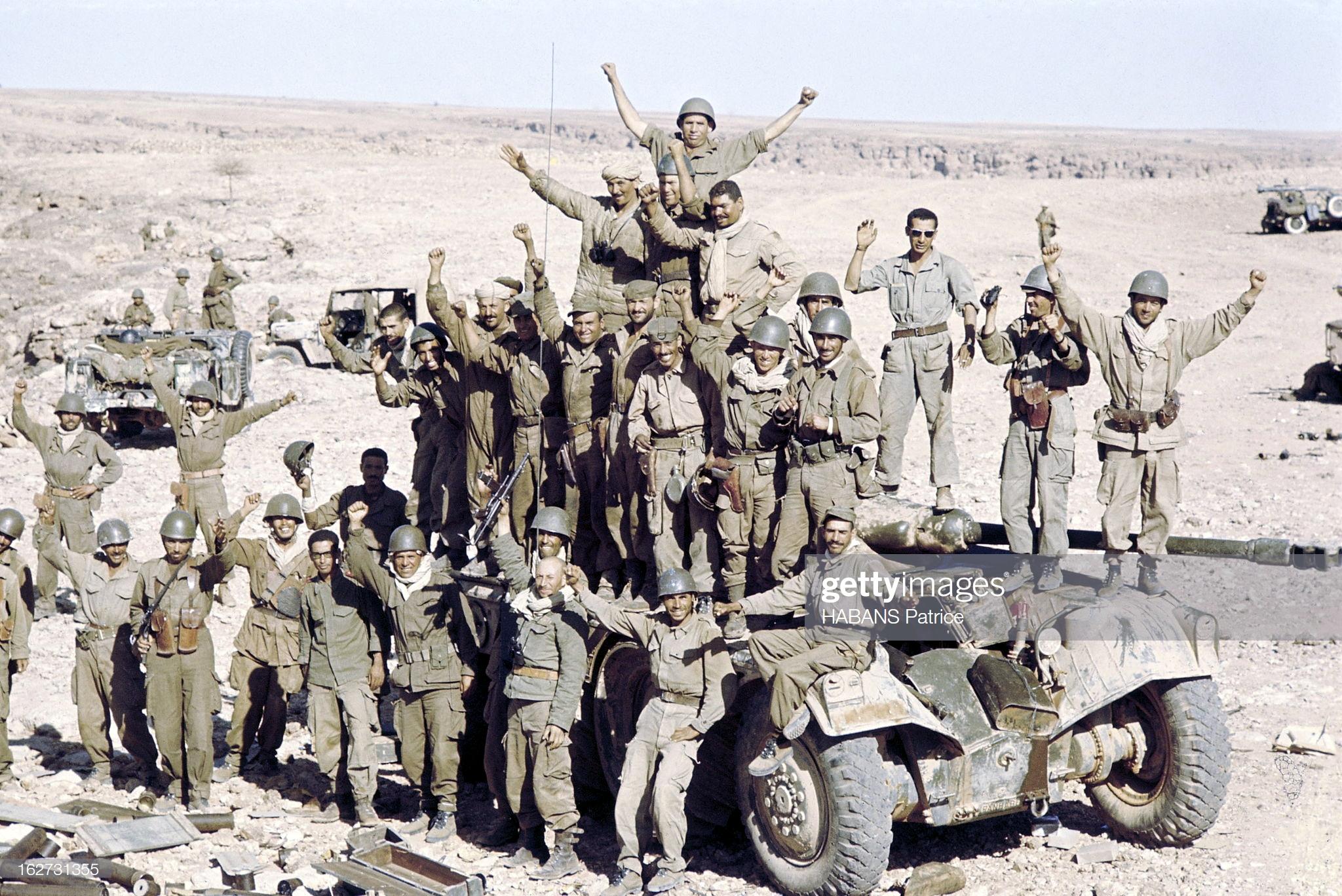 Photos - Guerre des Sables - 1963 - Page 8 47829119622_508cffd270_o