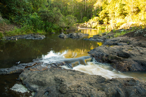 australia queensland yandina wappa sunshinecoast river creek water waterfall weir rocks trees forest rainforest landscape