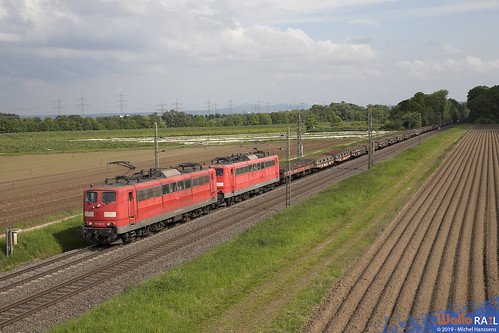151 045 + 151 082 . DB Cargo . 60716 . Bornheim . 17.05.19.