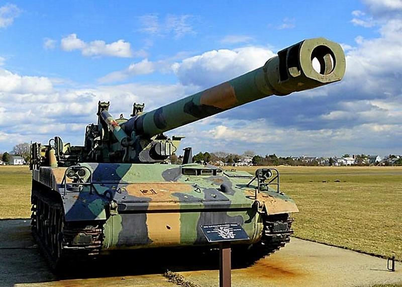 M110 Zelfrijdende 203 mm Houwitser 00001