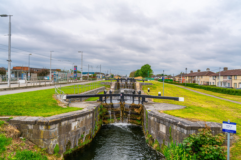 THE FIRST LOCK ON THE GRAND CANAL 005