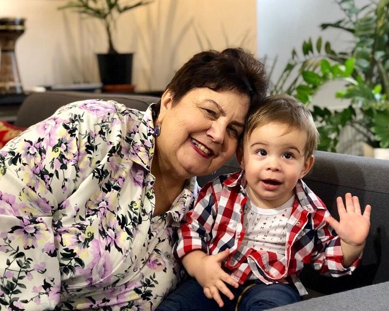 Мама Джамалы Галина Михайловна с внуком
