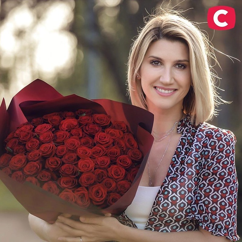 Анита Луценко поздравляет с Днем Матери