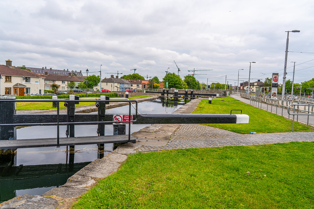 THE FIRST LOCK ON THE GRAND CANAL 013