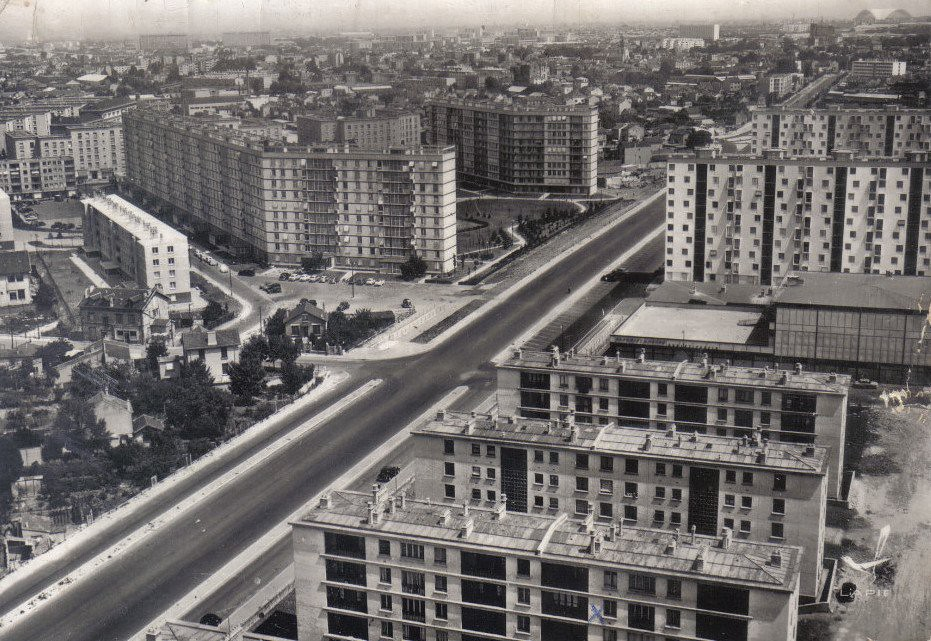 RUEIL MALMAISON - Cité HLM de la Plaine.